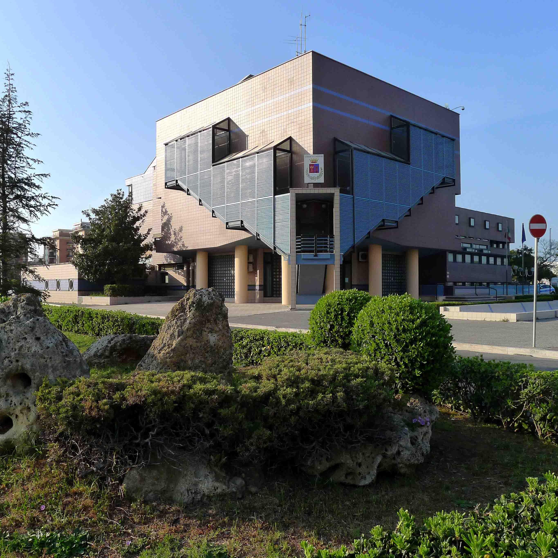 Ladispoli, palazzo Falcone accelera sulle pratiche di condono edilizio