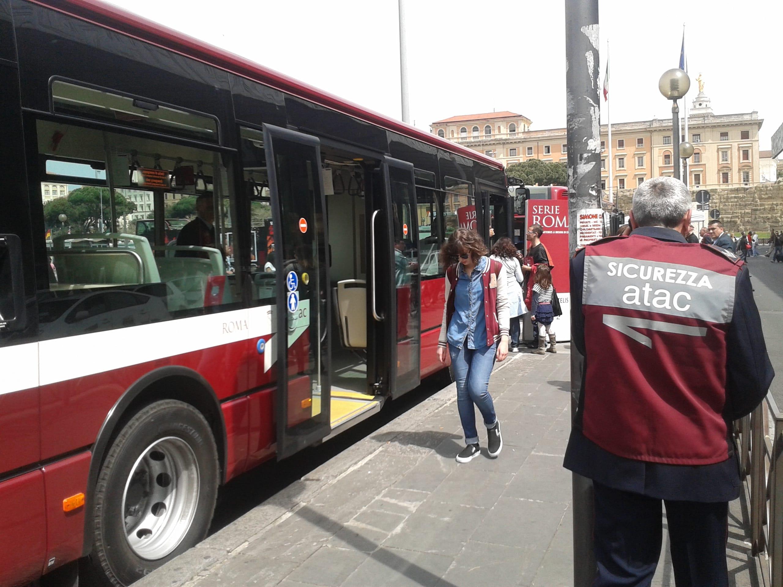 Un app gratuita di atac per pagare le soste sulle strisce for Roma mobile atac