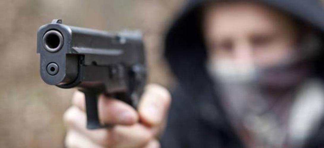 Rapina a mano armata presso farmacia di Borgo San Martino: 1.500 euro il bottino