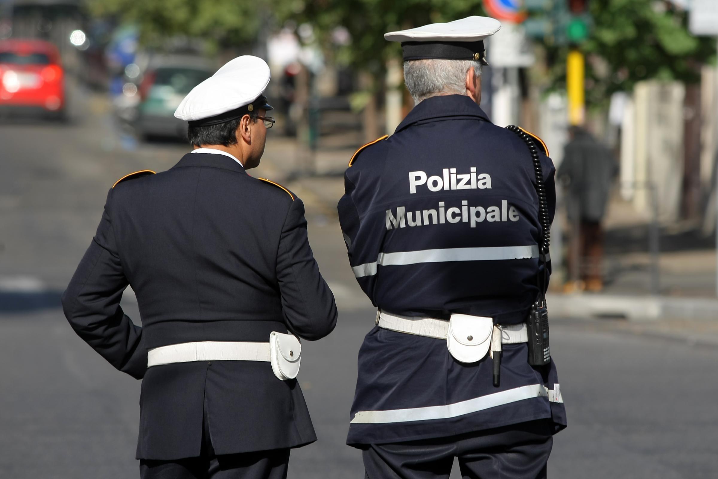 Tarquinia cerca due di agenti di polizia locale