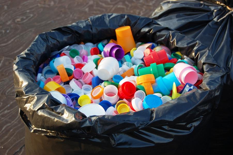 Ladispoli, rubati 50 sacchi di tappi di plastica: il ricavato della vendita sarebbe andato al volontariato
