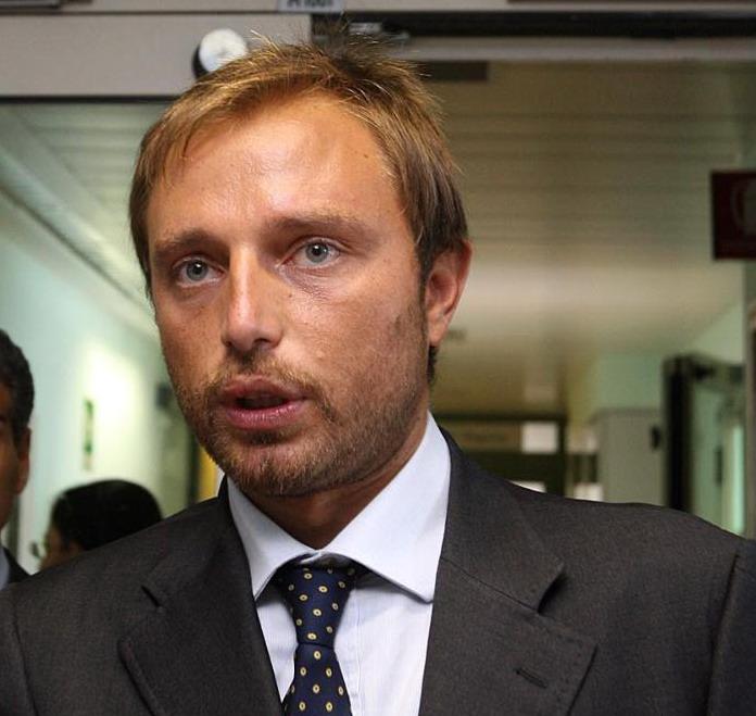 Su navetta per l'aeroporto di Fiumicino interrogazione del consigliere Santori