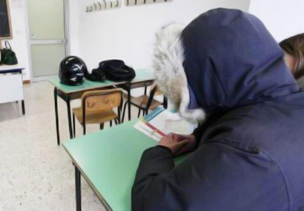Alberghiero e scientifico al freddo: studenti in rivolta