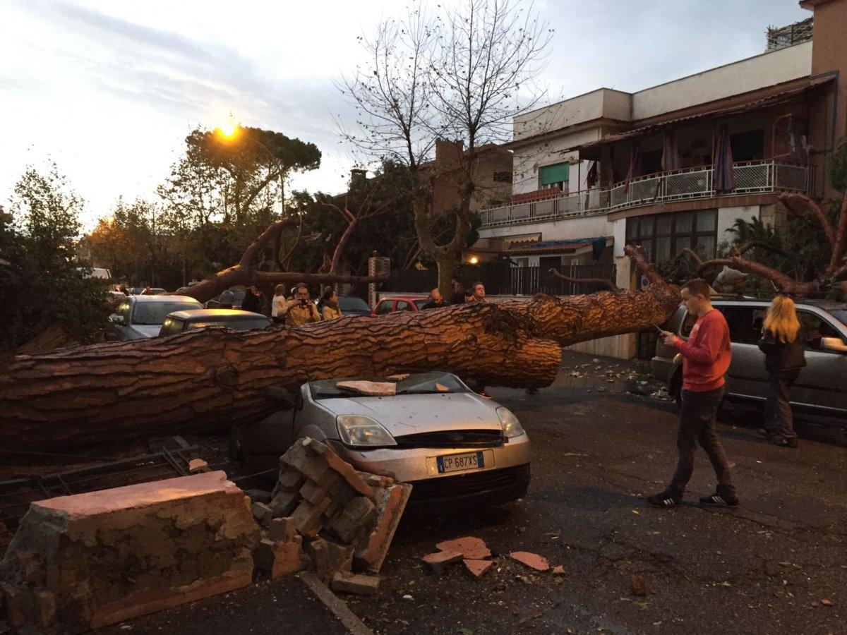 Tornado, per i privati messi a disposizione i moduli da consegnare al Comune