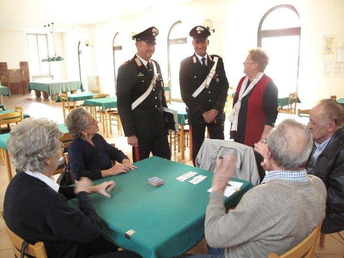 Truffe agli anziani, i carabinieri incontrano gli abitanti di Campo di Mare