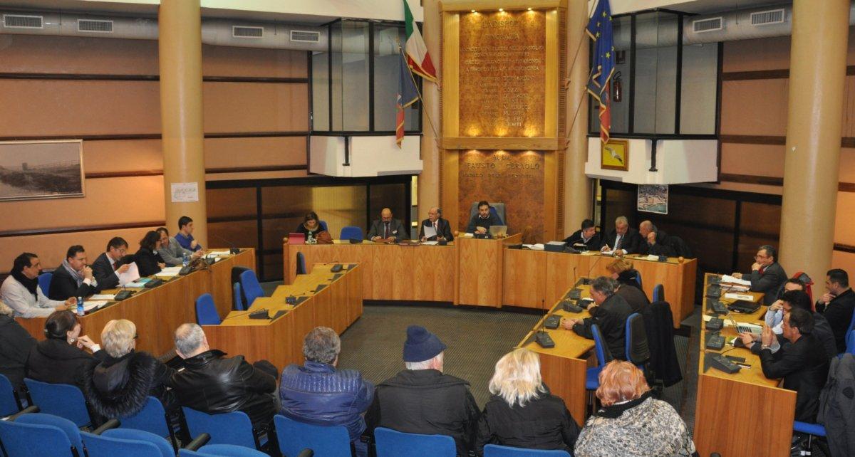 Ladispoli, spaccatura maggioranza: oltre al brindisi rispunta fuori Osteria Nuova