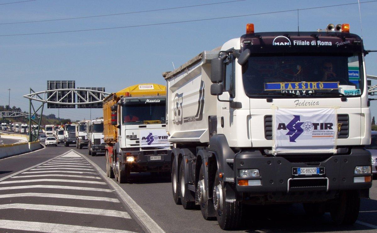 Civitavecchia, sostegno economico ai trasportatori: presentato un Odg in Regione