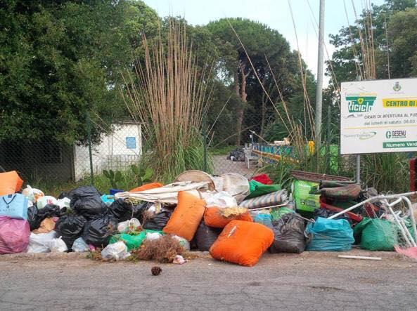 """Fiumicino, il M5S: """"Riprendiamoci i confini comunali invasi dai rifiuti"""""""