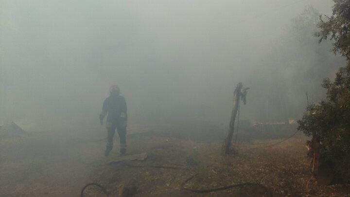Incendio vicino Ladispoli, serie di esplosioni all'interno di un casale