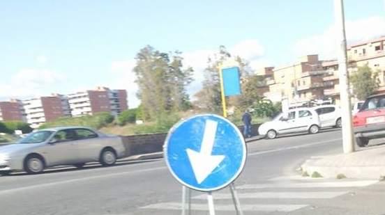 """Buche a Ladispoli, Forchetta e Ascani: """"Segnaletica pericolosa per la sicurezza degli automobilisti"""""""