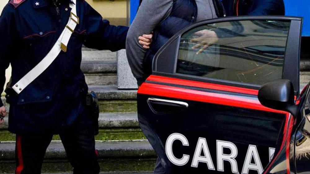 Civitavecchia, arrestati due ladri di corrente