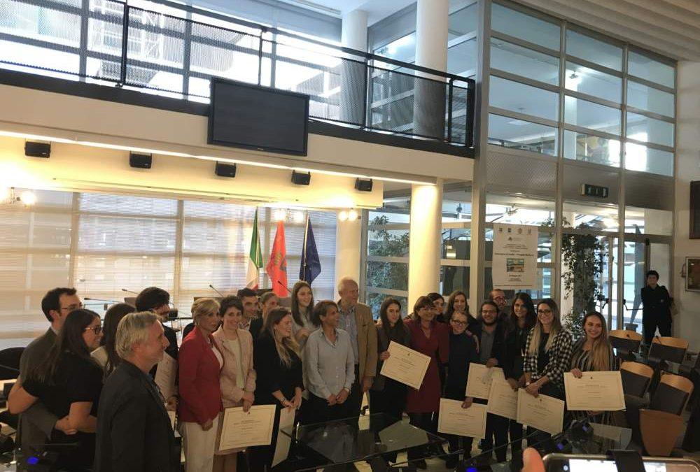 Fiumicino, borse di studio: premiati i migliori diplomati e laureati del territorio