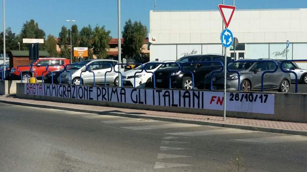 """Pd Ladispoli: """"Si rimuova lo striscione di Forza Nuova"""""""