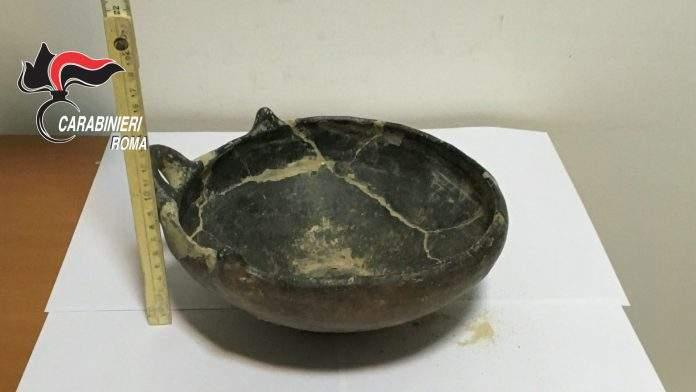 Reperti archeologici di Ladispoli e Cerveteri sul mercato nero: una denuncia