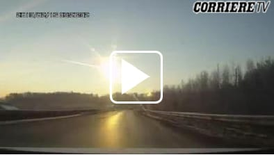 Pioggia di meteoriti in Russia, quasi mille feriti. Guarda le immagini straordinarie