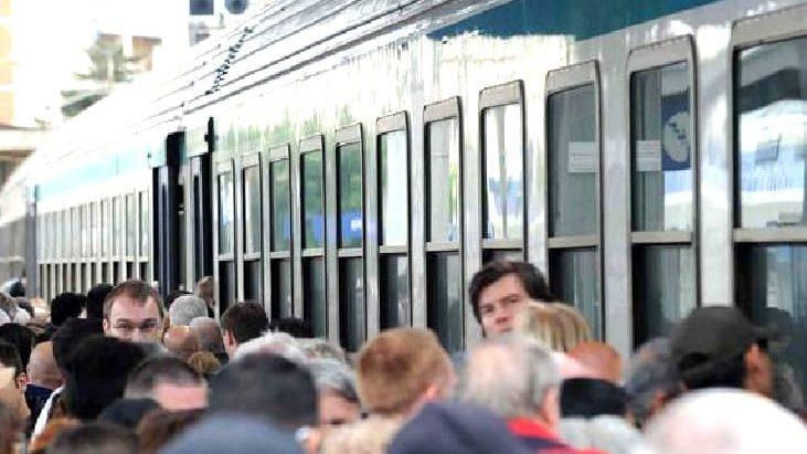 Fl5, treno guasto a Santa Marinella: ritardi anche di 90 minuti