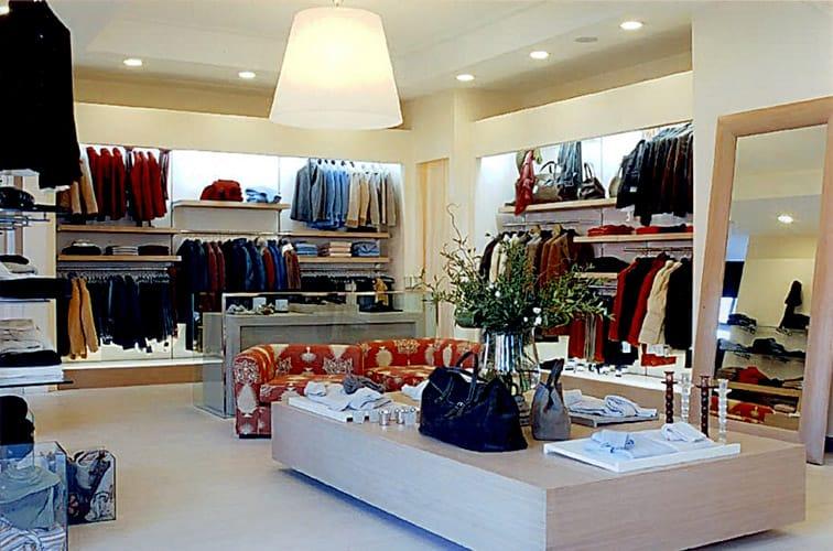 Quasi 300 negozi chiusi nella provincia di roma nei primi for Corso roma abbigliamento