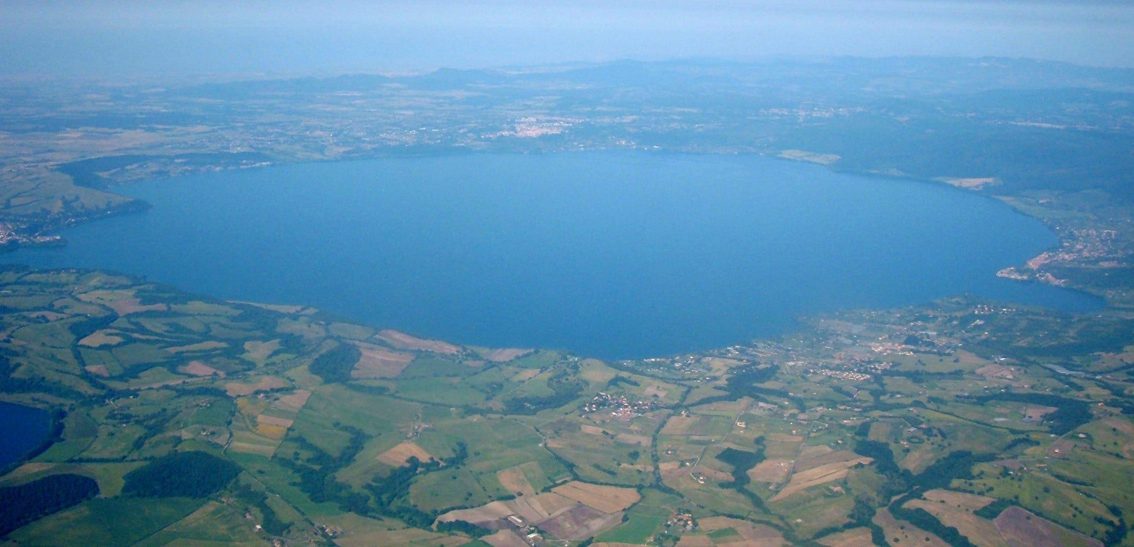 """I sindaci dei comuni del Lago di Bracciano ad Acea: """"Si apra lo sportello"""""""