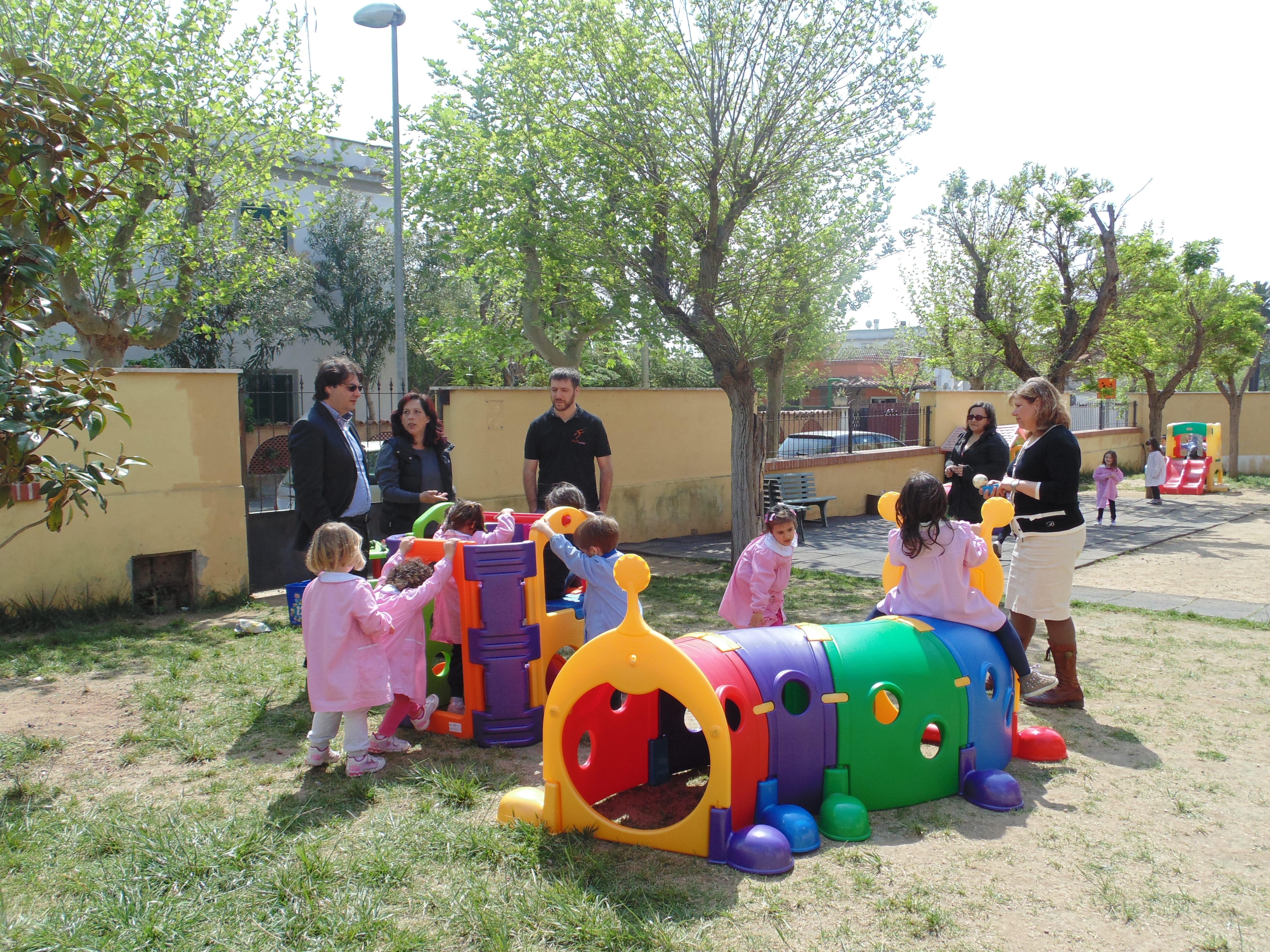 Eccezionale Il comune di Santa Marinella dona dei giochi ai bambini della  TD33