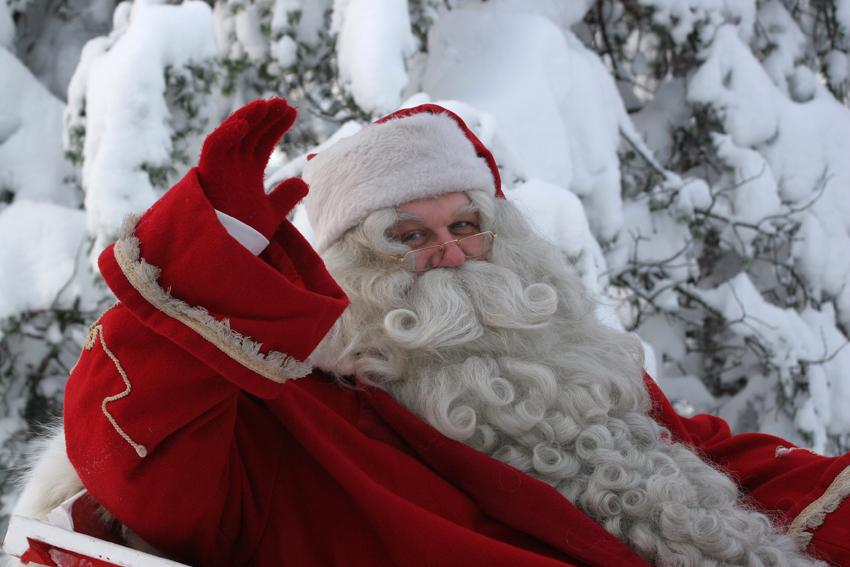 Tolfa, al via le premiazioni per i Presepi e l'incontro con Babbo Natale