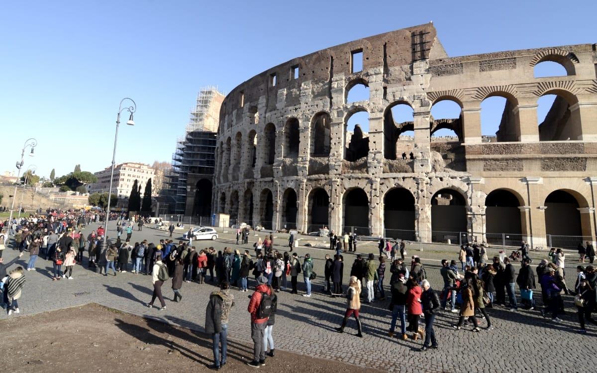 Blocco auto domani a Roma: domenica ecologica, quali veicoli possono circolare