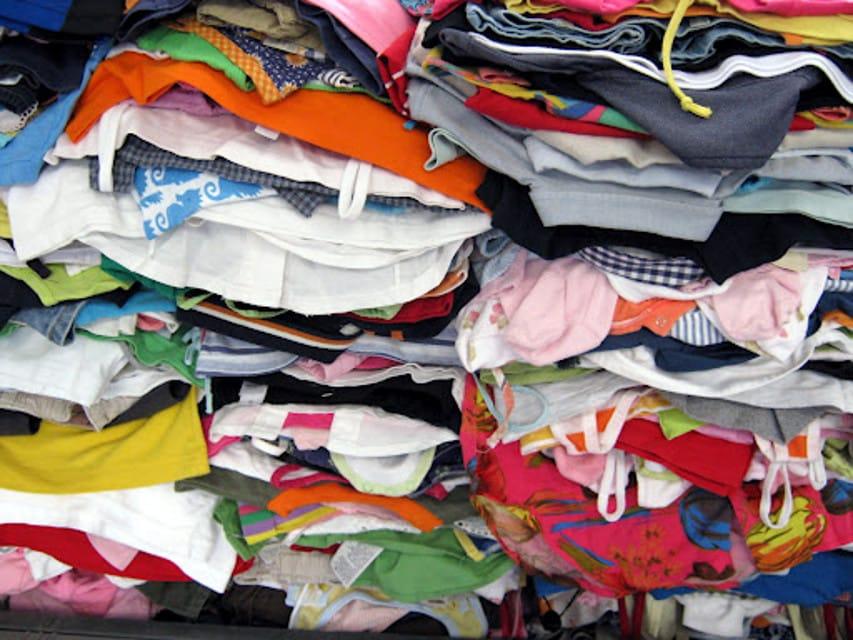 outlet store 8f8b3 77b5e Anguillara. Raccolta abiti usati, controtendenza - Terzo ...