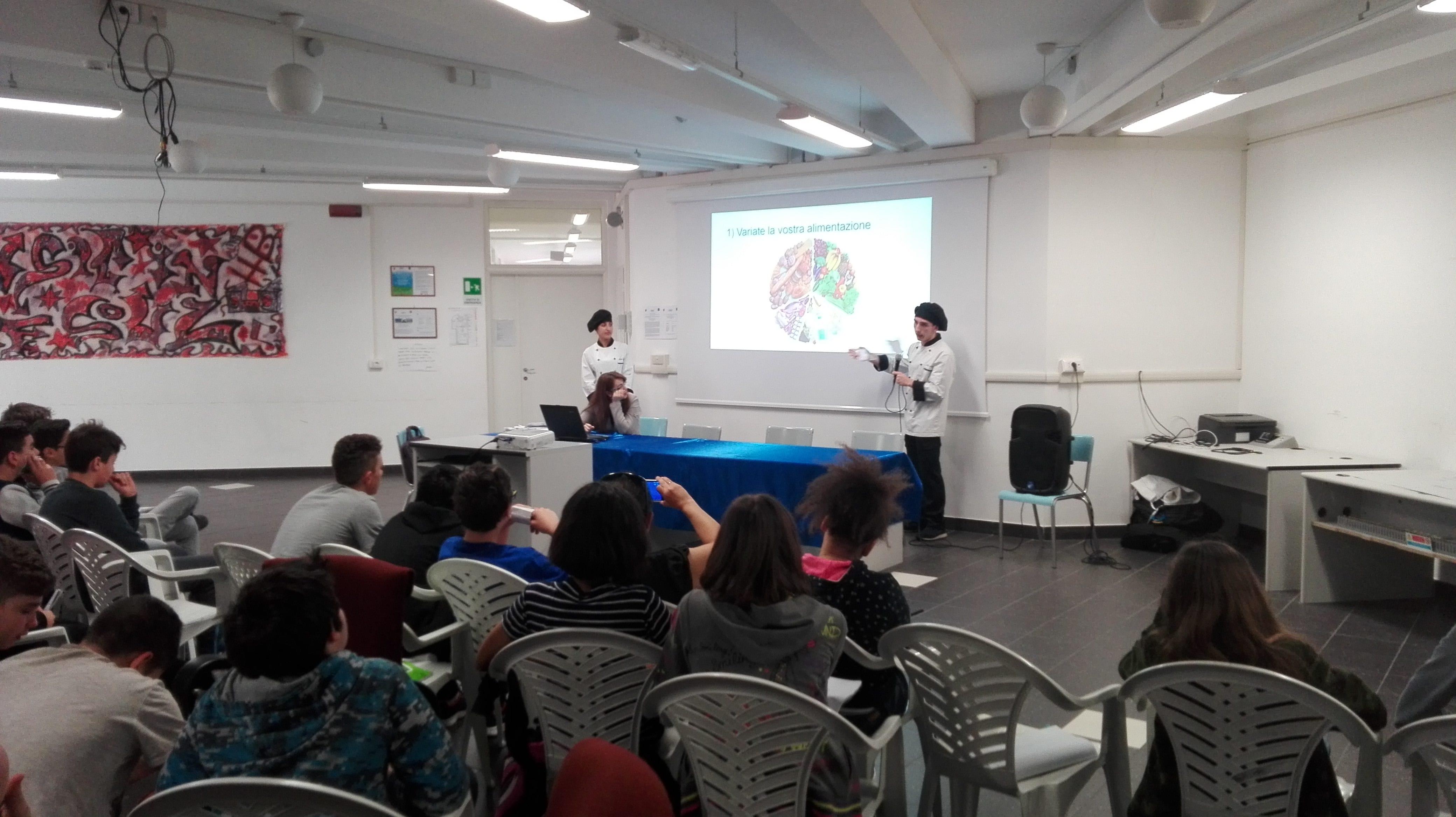 """Ladispoli, l'Istituto alberghiero incontra la scuola Media di Osteria Nuova: """"un consumo alimentare consapevole"""""""