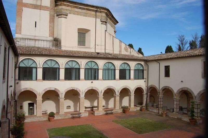 Tolfa, domani il finissage della Biennale di Viterbo con il maestro Cernicchiaro e la cantante Iorio