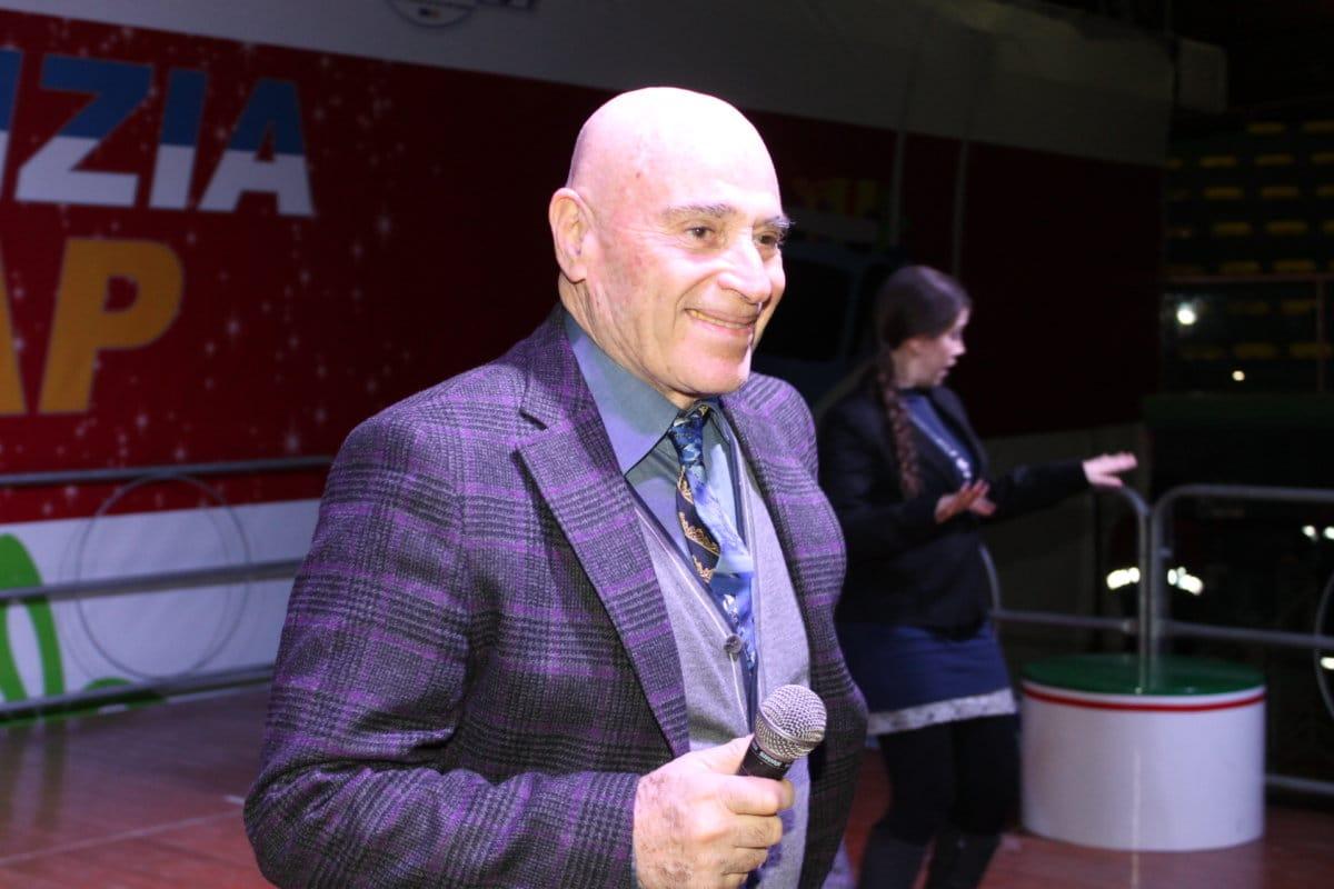Edoardo Vianello al Massimo Freccia insieme agli studenti dell'alberghiero di Ladispoli