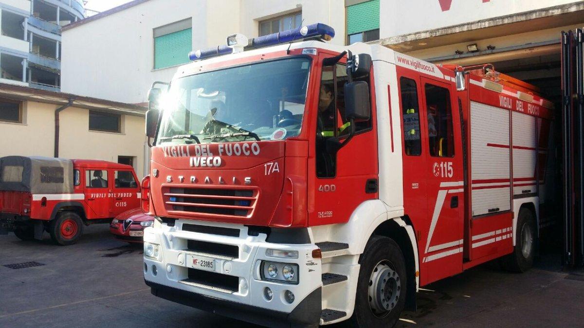 Ladispoli, incendio in un appartamento di via Bari: intervento dei vigili del fuoco