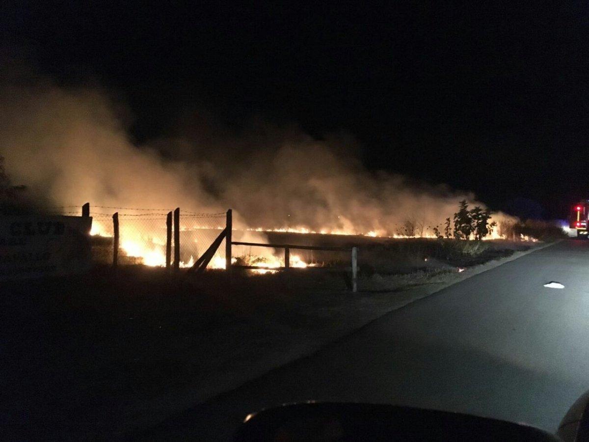 Incendio a Campo di Mare