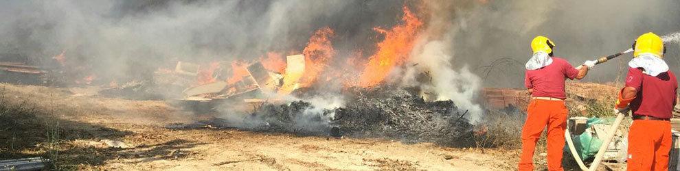 Vasto incendio a Santa Marinella, intervengono gli elicotteri