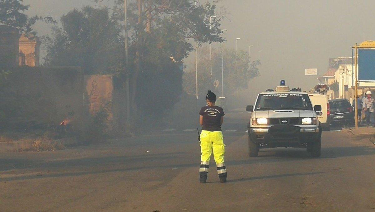 Vasto incendio tra Civitavecchia e Tarquinia