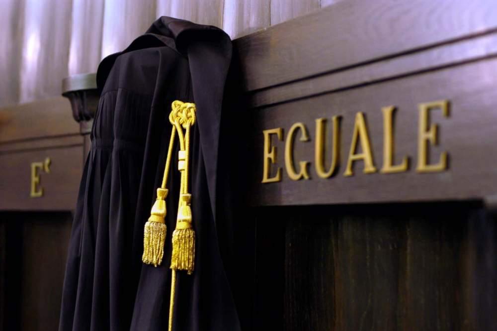 Fermi gli esami da aspiranti avvocati: interrogazione parlamentare ...