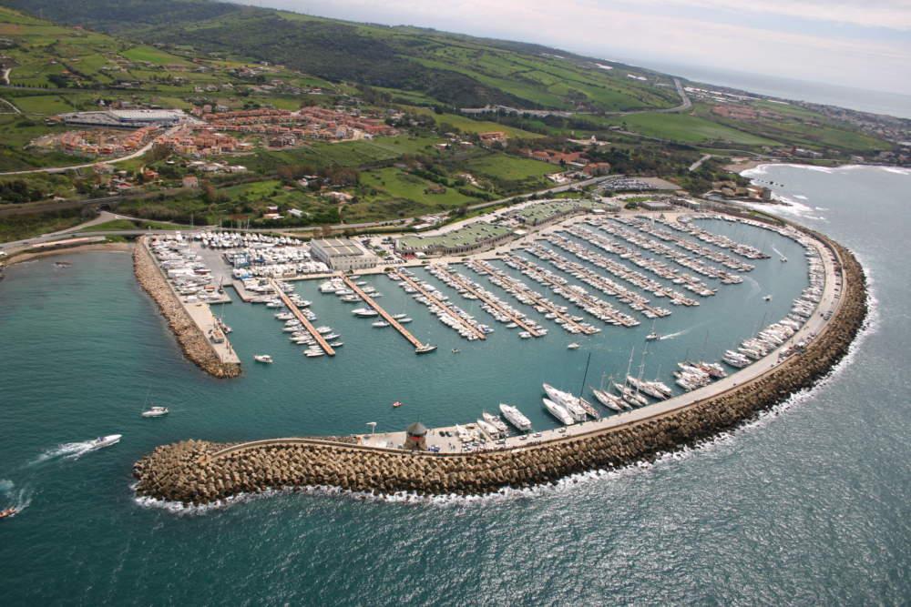 """Civitavecchia, Flavio Enei presenta """"Gli antichi sugli oceani"""" presso lo Yacht Club Riva di Traiano"""