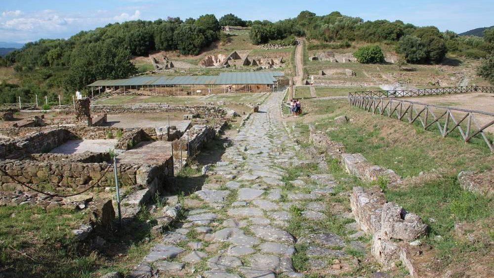 Montalto, il parco di Vulci apre il sipario tra le antiche rovine etrusche