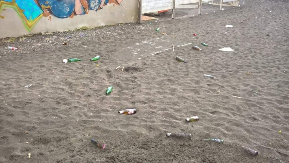Immondizia per Ladispoli: volontari al lavoro e cittadini indignati