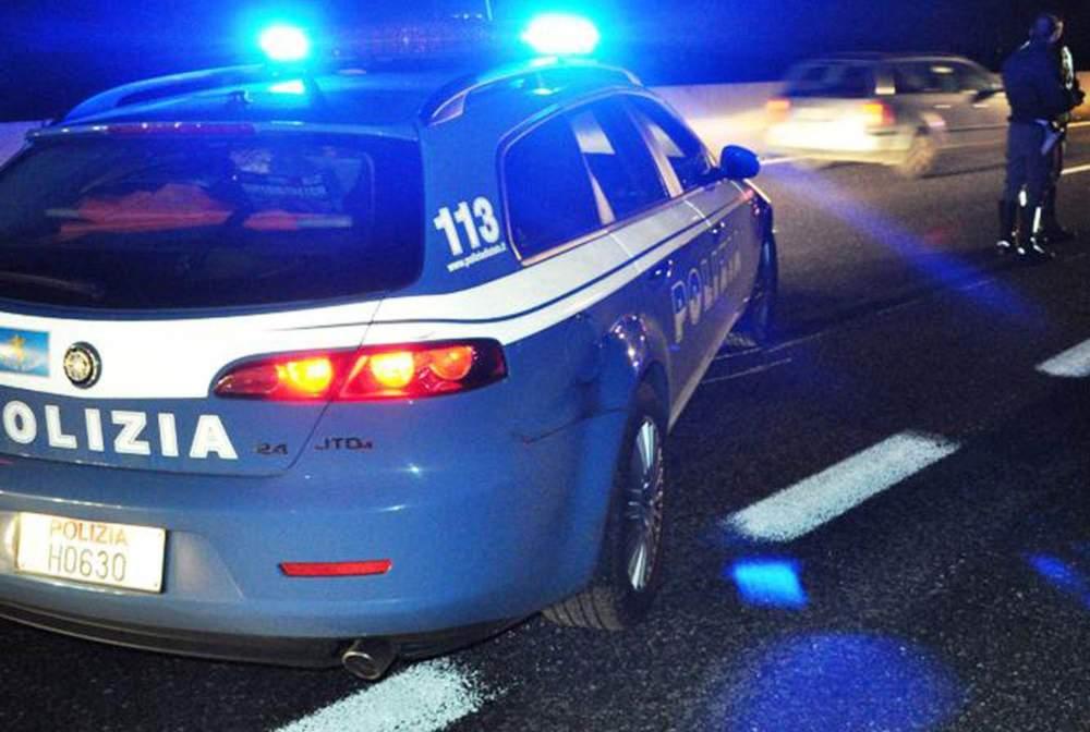 Incidente sulla A12, auto in fiamme