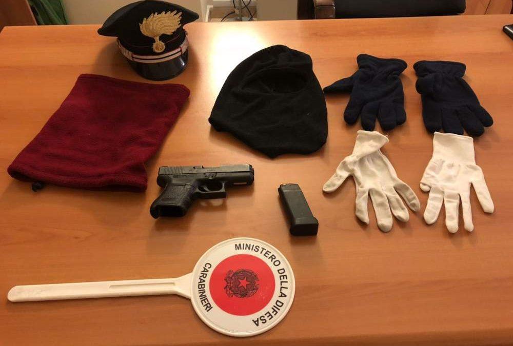 19enne di Fiumicino deteneva illegalmente armi in casa