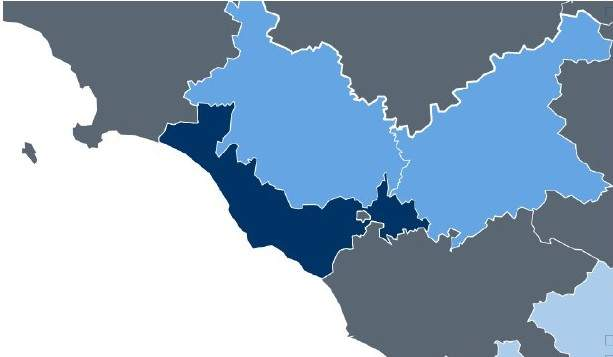 Nella marea gialla che invade l'Italia, il litorale si tinge d'azzurro