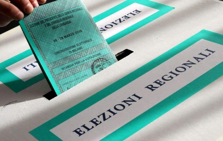 Elezioni regionali, l'affluenza  alle ore 12