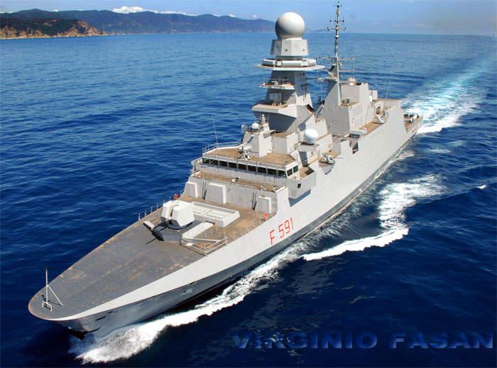 Civitavecchia, in porto la nave Virginio Fasan per essere visitata dagli amanti della Marina Militare