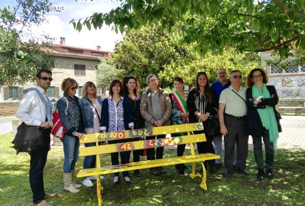 Inaugurata l'ultima  panchina gialla contro il bullismo alle scuole medie di Anguillara Sabazia