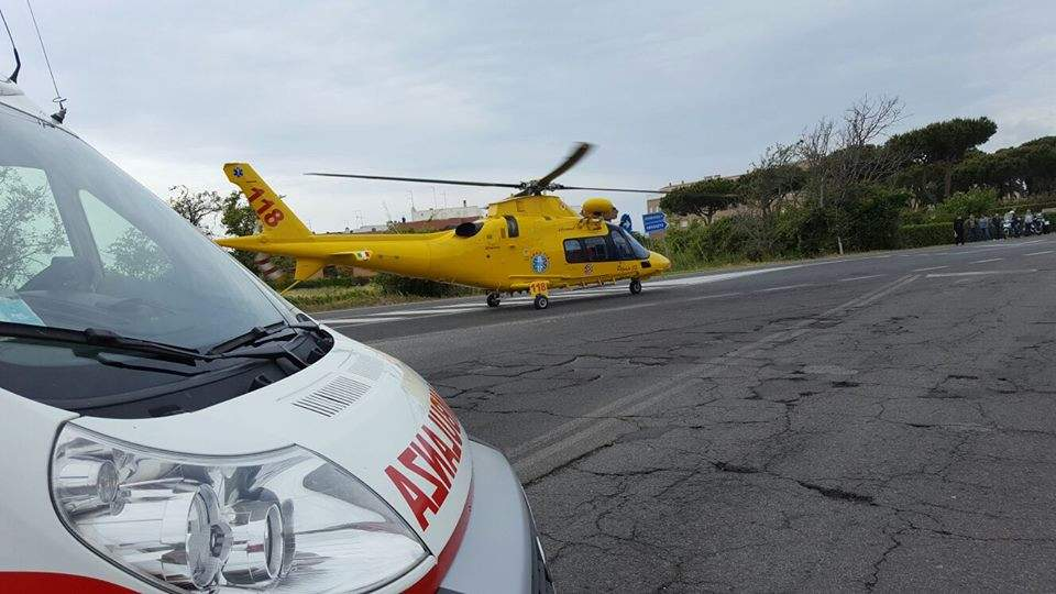 Cerveteri, incidente grave all'incrocio Settevene-A12: due giovani feriti, uno in eliambulanza