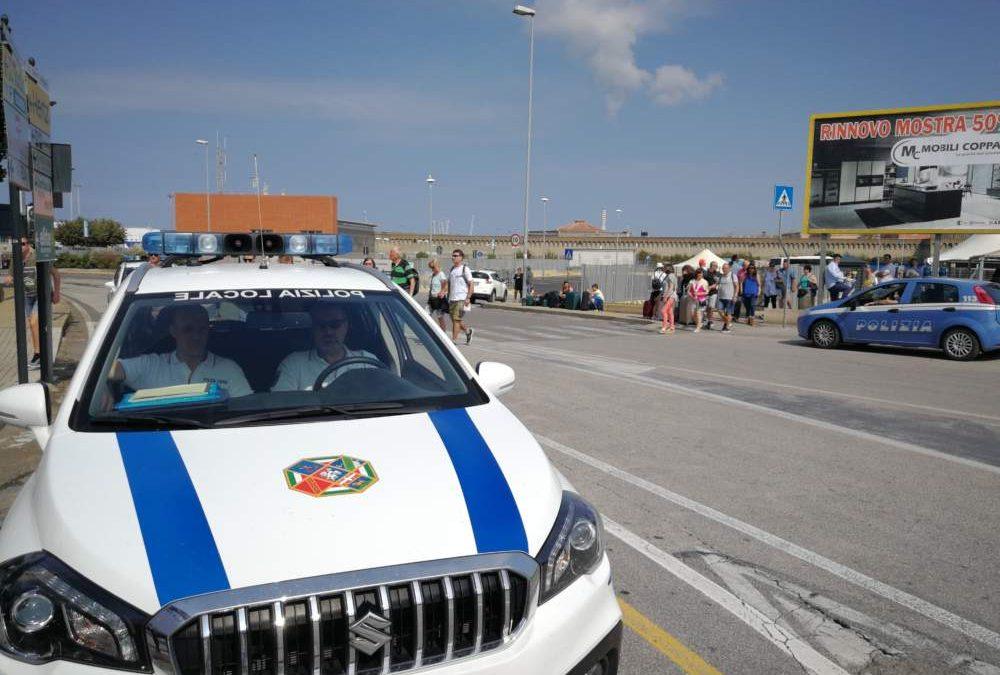 """Civitavecchia, """"pattuglione"""" di Commissariato, Municipale e Polizia di Frontiera"""