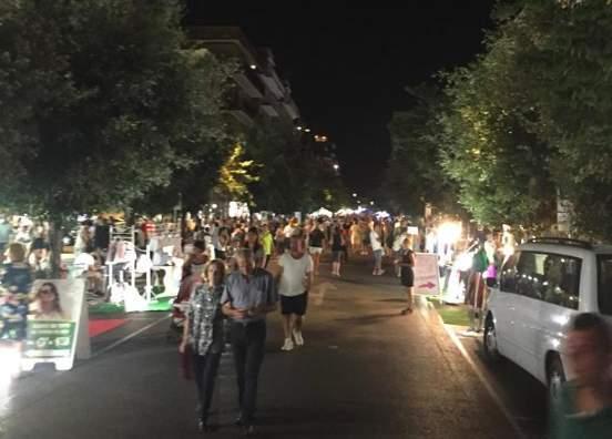 iale Italia Market on the street