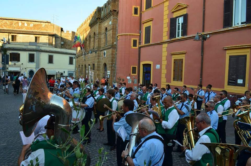 Cerveteri, il 18 luglio omaggio a Renzo Arbore del Gruppo Bandistico Cærite