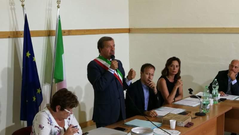 """Santa Marinella, Tidei ai consiglieri: """"Se avete avvisi di mora saldateli, altrimenti decaderete"""""""