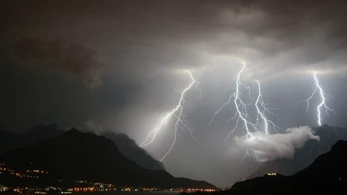 Enorme temporale al largo di Tarquinia e Civitavecchia