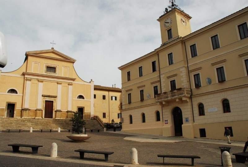 """Allumiere, Ceccarelli sulla perdita in via Nuova: """"Paese paralizzato"""""""